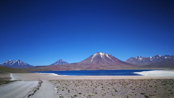 Volcan Miscanti y Lagunas Altiplánicas Chile